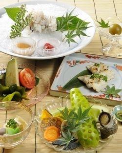 おまかせ懐石料理コース(冬は鍋懐石になります)