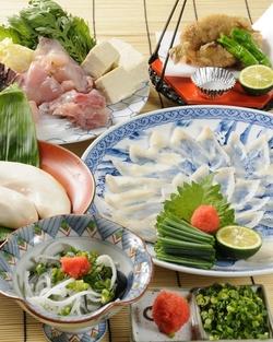 平成最後の忘年会はやっぱり美味しい天然虎ふぐ料理、元気なスッポン料理、蟹料理をお召し上がり下さいご予約お待ちしております。