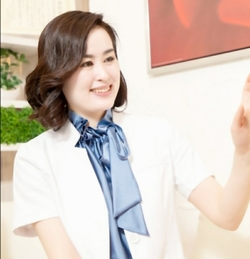 トップスキンフィットネスカウンセラー 本口 久美子