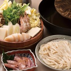 シンプルだからこその美味しさ☆自慢のお出汁でいただくうどんすき鍋