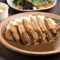 手作り辛口カレー&揚げたてポークカツ☆
