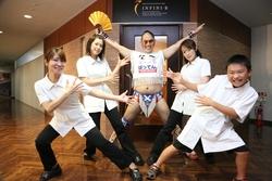 アンフィニ・ビーはNPO法人 九州プロレスの施設訪問活動を応援しています。