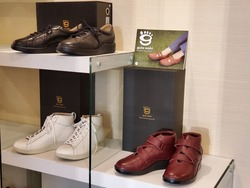 gute wahl (グーテヴァール)・日本人の足のために生まれた靴・・入荷中♪